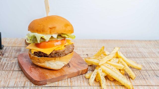BurgerHolic photo